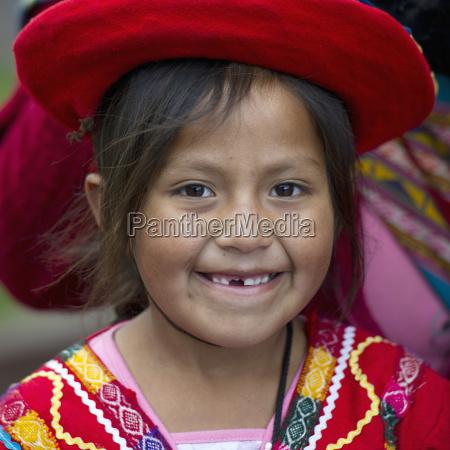 retrato de una joven con sombrero