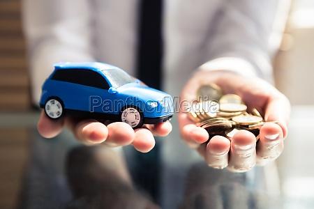 coche carro vehiculo transporte automovil moneda