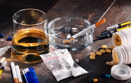 cigarrillo beber bebida alcohol inclinacion las
