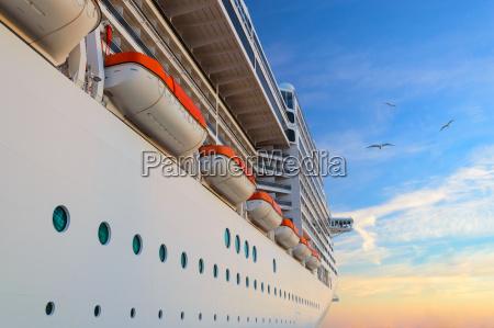 paseo viaje gira cruz buque de