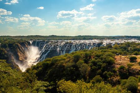 ruacana falls en el norte de