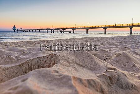 playa castillo de goteo muelle puente