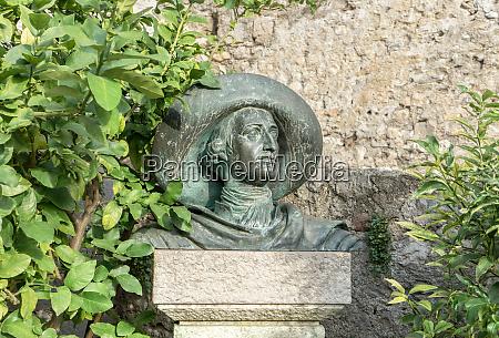 sculpture of johann wolfgang goethe