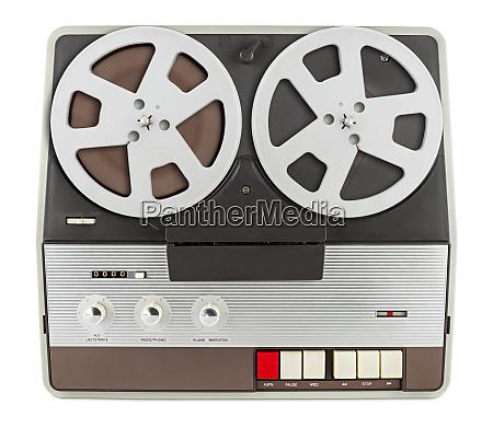 grabadora de cinta retro aislada sobre