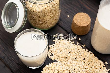 vaso de leche vegana sin lacteos