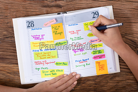 horario de escritura de la empresaria