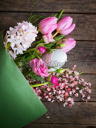 ramo de flores de primavera con