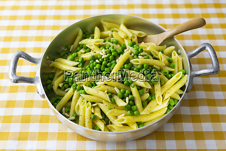 penne with peas and pine nuts