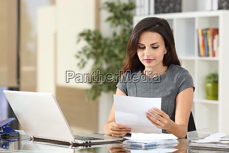 carta lectura freelance factura notificacion negocio