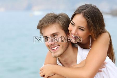 pareja feliz en el amor con