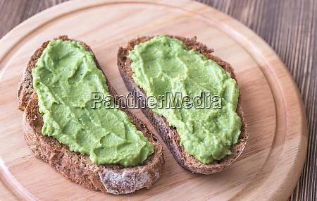 sandwiches with avocado paste