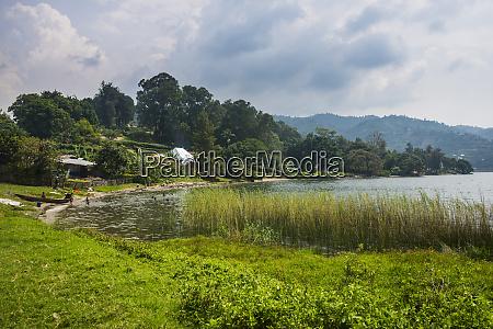 ruanda gysenyi lago kivu