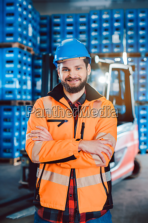 worker in a forwarding company with