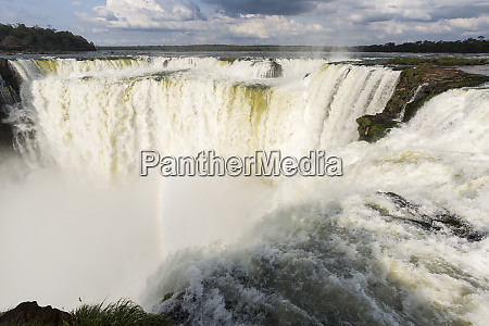 the headwater of iguazu falls with