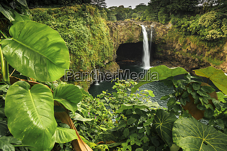 rainbow falls 80 ft drop wailuku
