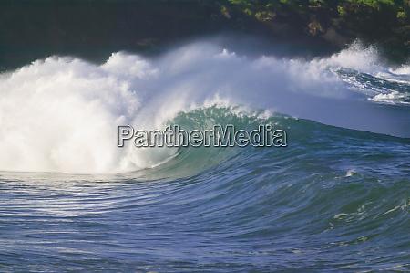 olas de tormenta del pacifico costa