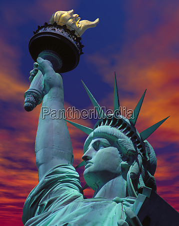 sunset, with, the, statue, of, liberty, - 27342924