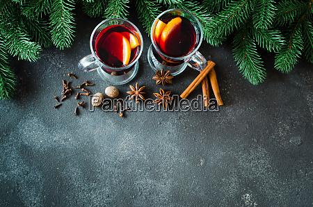 vino tinto caliente de navidad con