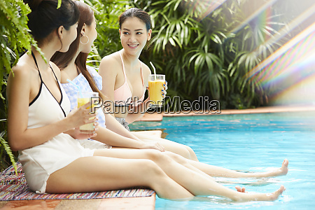 viajes en el resort femenino