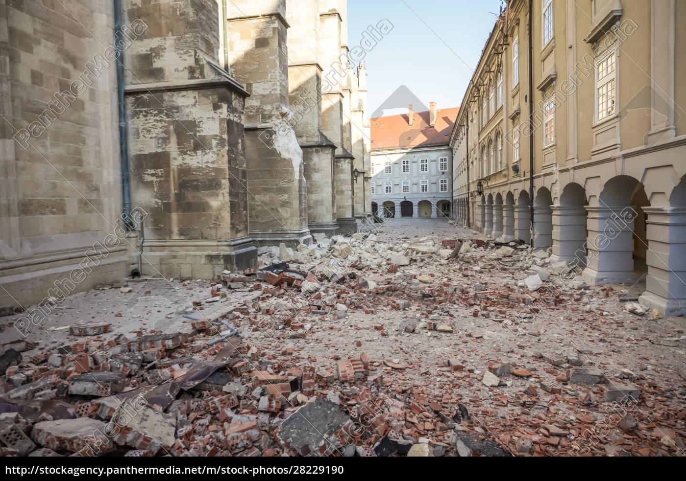 zagreb, golpeado, por, el, terremoto, dañado - 28229190