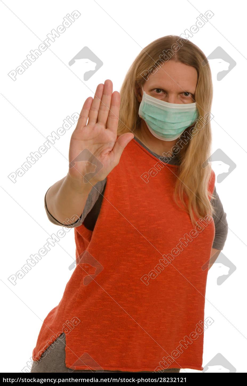 mujer, con, protección, bucal, y, máscara - 28232121