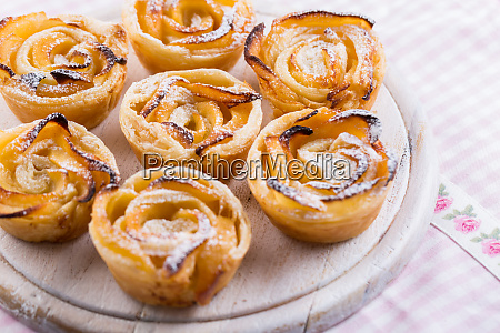 delicious apple puff pastry in rose