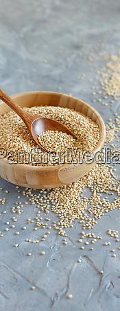 semillas de quinua blanca seca crudas