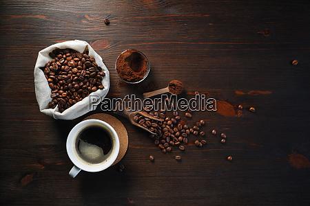 naturaleza muerta con cafe
