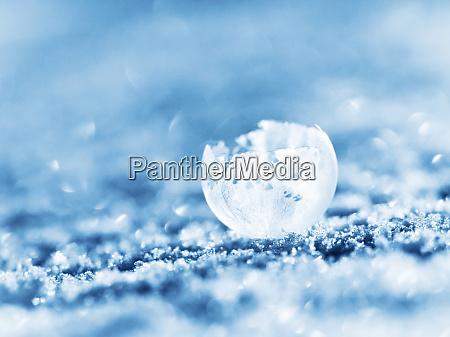 burbuja esmerilada en invierno