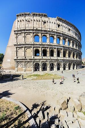 italia roma coliseo y turistas