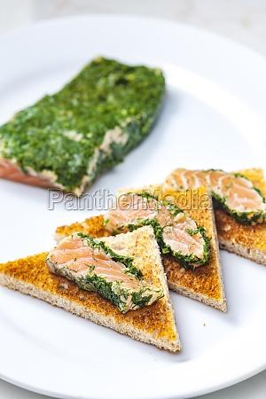 bodegon de salmon marinado en eneldo