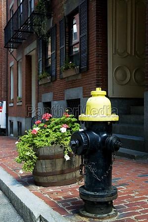boca de incendios en una calle