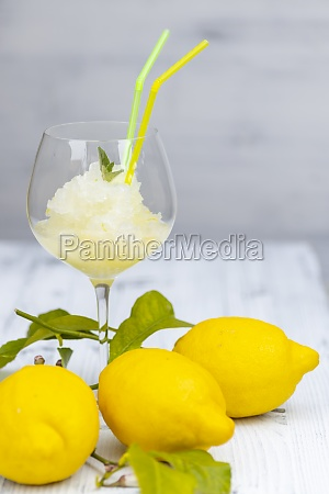 bodegon con sorbete de limon